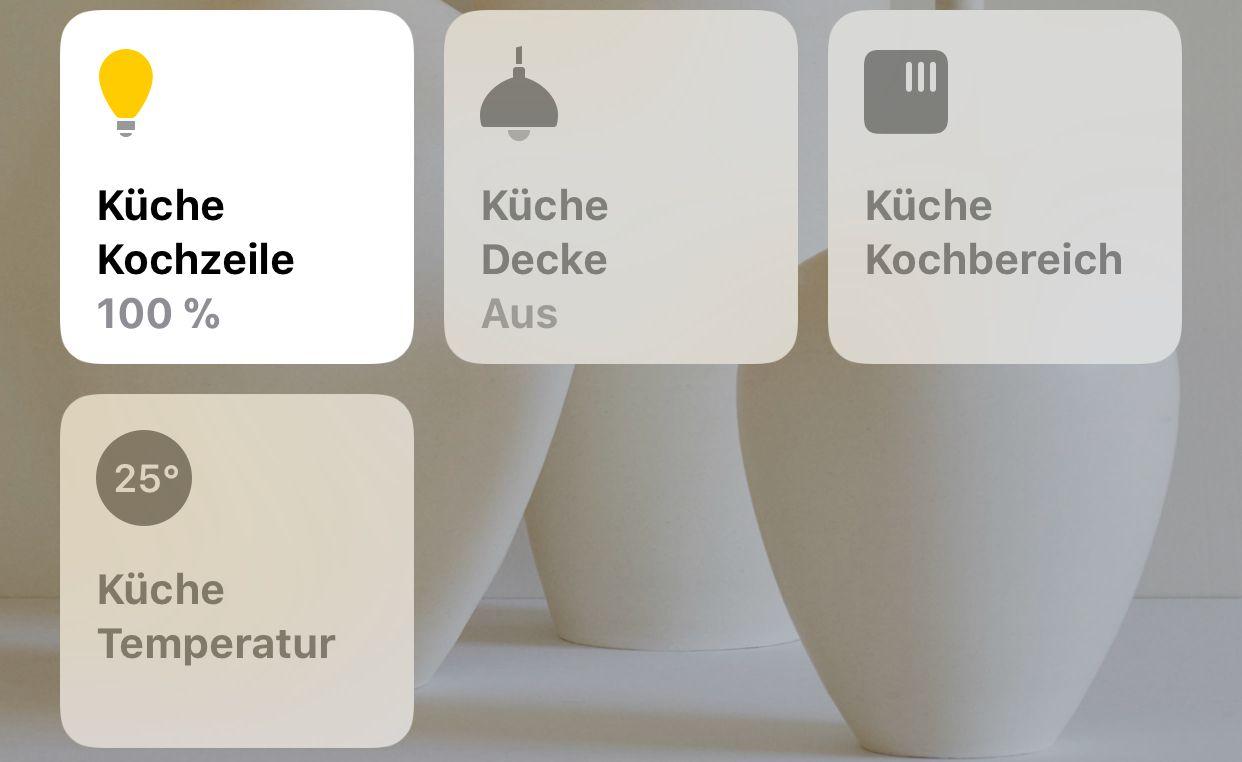 Neue Geräte in der HomeKit-App. Unten links beispielsweise die Temperatur des Bewegungsmelders.